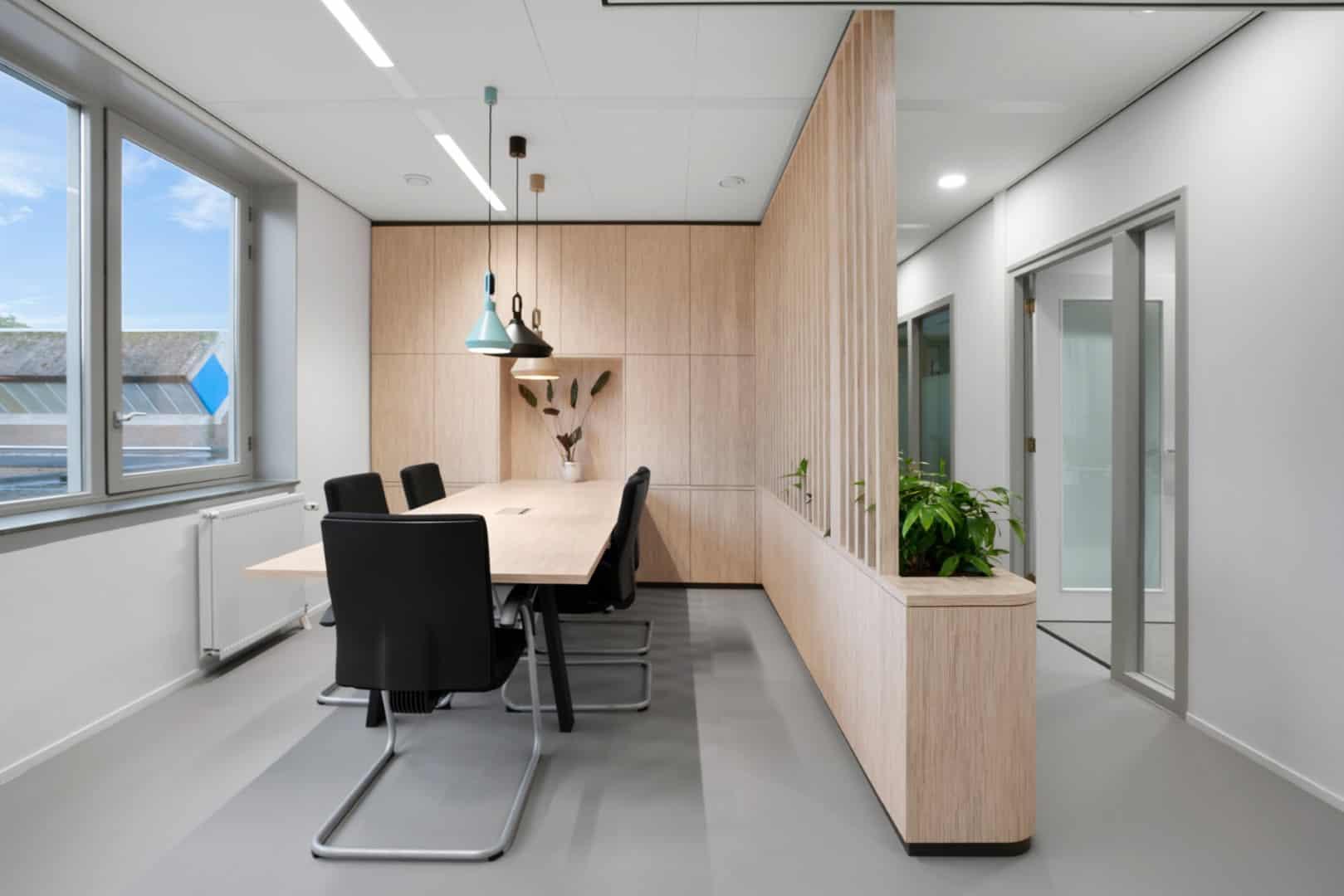 Adrichem Interieurbouw Amsterdam - Zonova vergadertafel