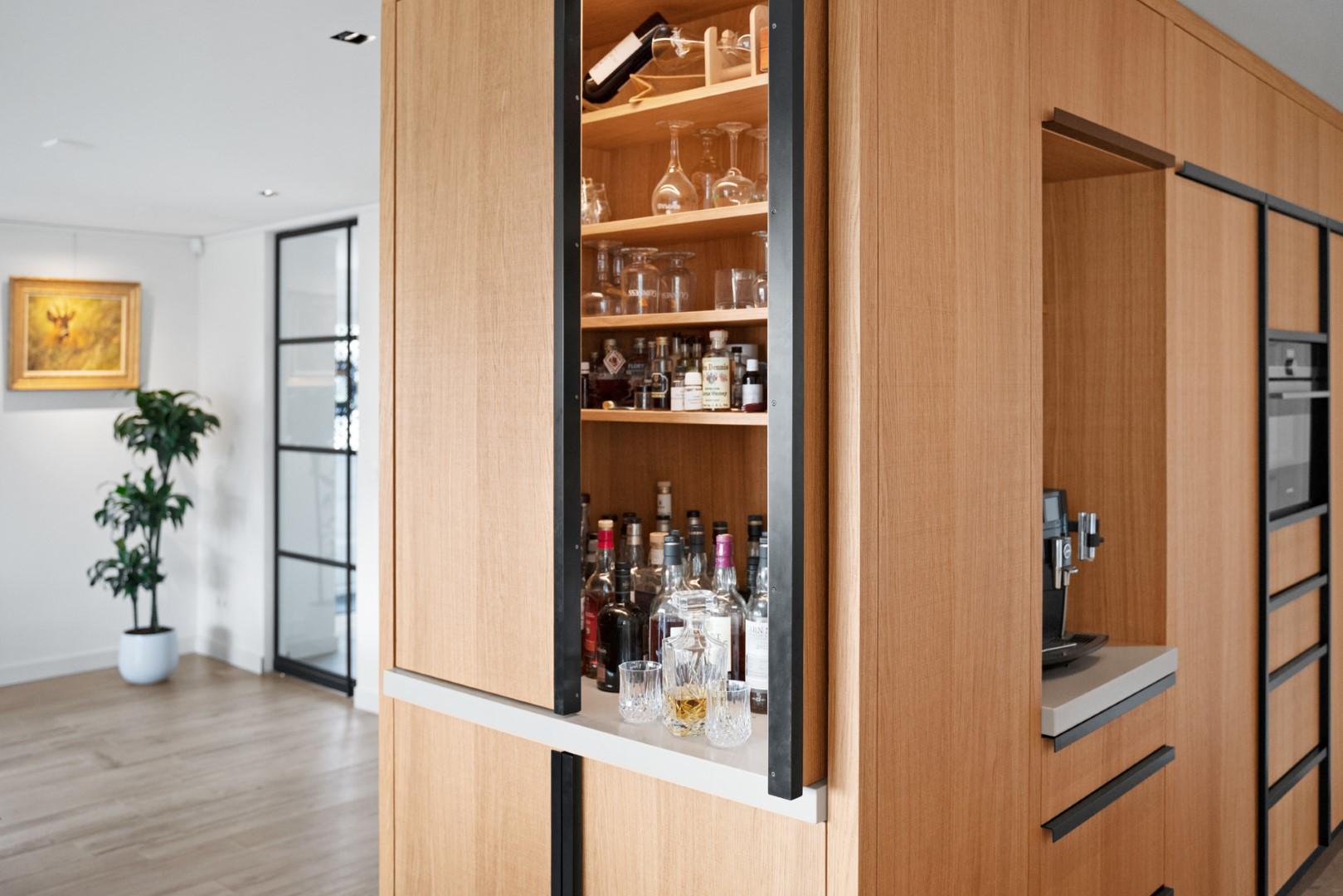 Adrichem Interieurbouw drankkast